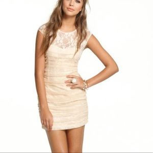 EN CREME LACE MINI DRESS S
